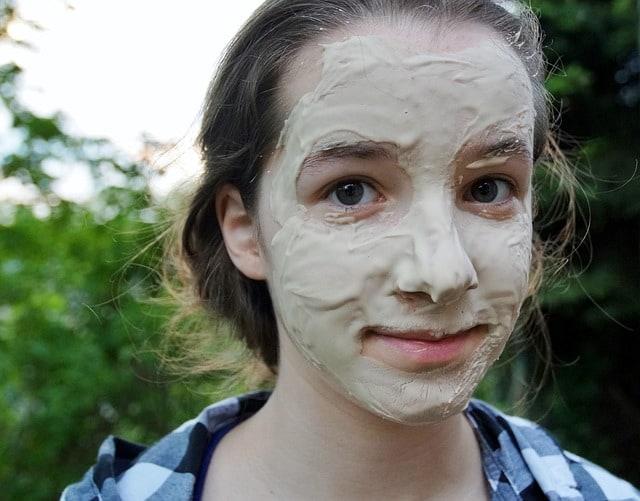 006893348d59ca Trockene Haut im Gesicht: Hausmittel gegen trockene Gesichtshaut ...