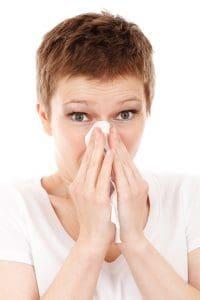 Mit Hausmittel lässt sich Nasebluten stoppen und vorbeugen