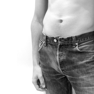 gegen Magenschmerzen helfen Hausmittel effektiv
