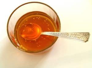 Honig hilft natürlich gegen Blähbauch