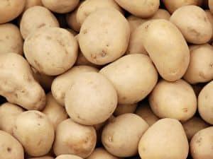 Mit Kartoffelsaft lassen sich gerötete Augen schnell natürlich behandeln