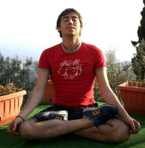Mit Yoga richtig entspannen bekämpft Müdigkeit und Stress