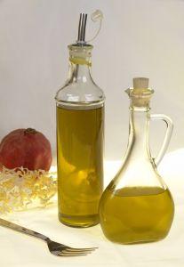 Olivenöl ist ein einfaches Hausmittel das das Schnarchen verringert.