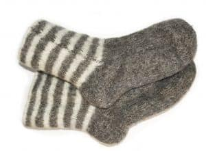 Omas Wollsocken machen frierende Füße schnell wieder warm
