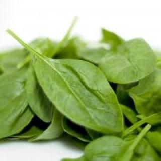 Spinat enthält Vitamin K für eine schnellere Heilung von Blutergüssen