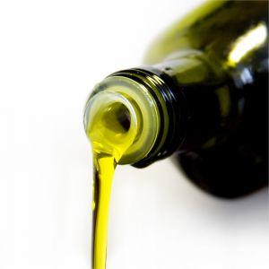 Spröde rissige Lippen? Hausmittel Olivenöl als schnelle Hilfe